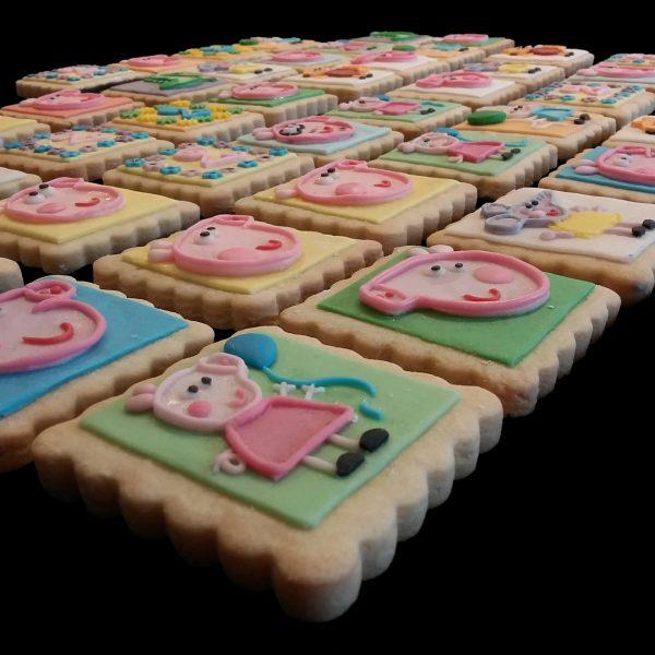 Biscotti decorati per un compleanno a tema Peppa Pig