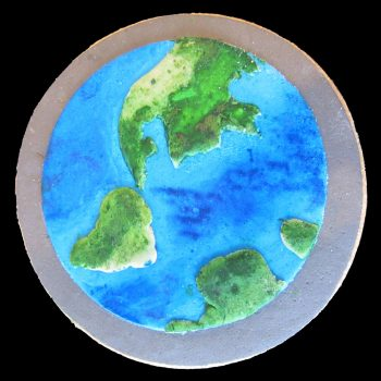 Biscotto della Terra decorato in pasta di zucchero