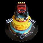 Torta decorata in pasta di zucchero per un compleanno a tema Blaze