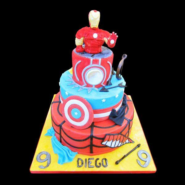 Torta decorata in pasta di zucchero per un compleanno a tema Civil War