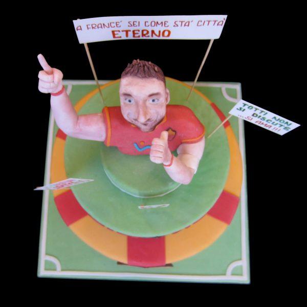 Torta decorata in pasta di zucchero per un compleanno a tema Totti A.S. Roma