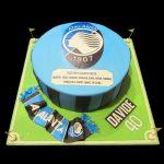 Torta dell'Atalanta decorata in pasta di zucchero per un compleanno
