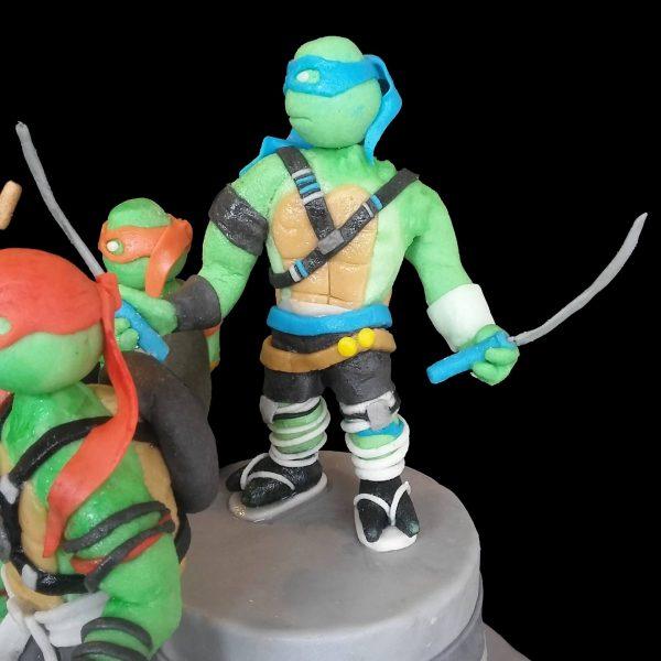 Leonardo delle Tartarughe Ninja in pasta di zucchero