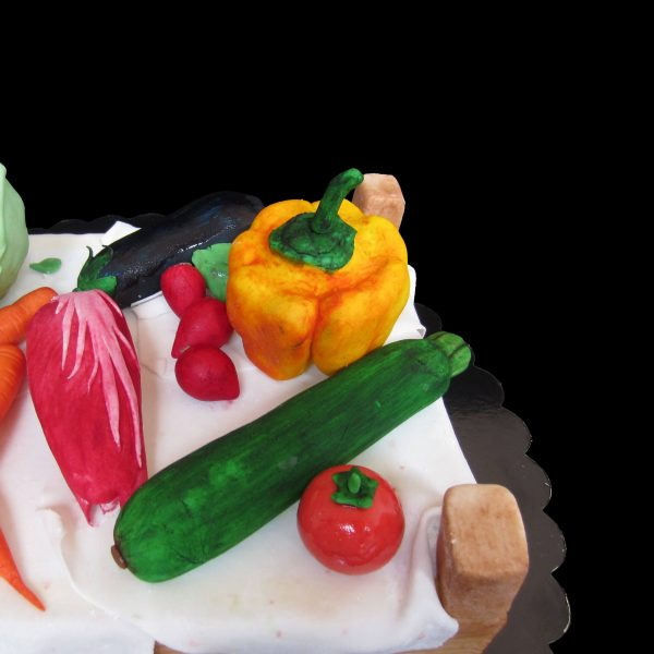 Zucchina, pomodoro, radicchio, melanzana e ravanelli in pasta di zucchero