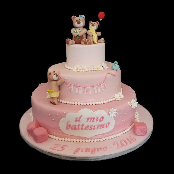 Torta decorata con orsetti in pasta di zucchero per un Battesimo