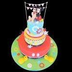 Torta decorata in pasta di zucchero per un compleanno a tema Pluto e Topolino