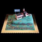 Torta decorata in pasta di zucchero per il compleanno di un capotreno
