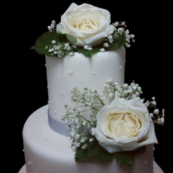 Fiori e decorazioni in pasta di zucchero