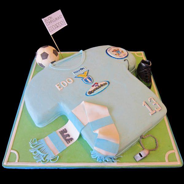 Torta della Lazio decorata in pasta di zucchero per un compleanno